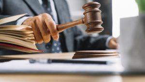 Dịch vụ luật sư tranh tụng trong vụ án kinh doanh thương mại
