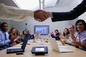 Những rủi ro pháp lý trong mối quan hệ giữa doanh nghiệp (người sử dụng lao động) với người lao động